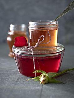Unser beliebtes Rezept für Rosengelee und mehr als 55.000 weitere kostenlose Rezepte auf LECKER.de.