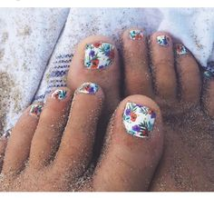 need to start getting my toenails done for summer lol