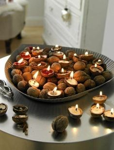 DIY - mini bougie - noix - walnut voltives very cute idea Diy Candle Holders, Diy Candles, Shell Candles, Cool Diy, Easy Diy, Navidad Natural, Christmas Crafts, Christmas Decorations, Christmas Candles