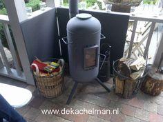 Tuinkachel de Brander XL met kookplaat achteruitlaat met 2 x 45 graden bocht en hitteschild. Regio Brabant Bbq, Canning, Wood Burning, Barbecue, Barbecue Pit, Woodburning, Home Canning, Conservation, Firewood