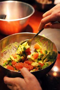 Mais pourquoi est-ce que je vous raconte ça... Dorian cuisine.com: Petite salade pour combattre l'hiver ! Salade d'avocats et pamplemousse, mâche nantaise en mayonnaise