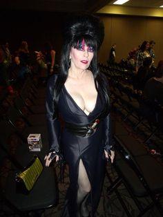 Wizard World Comic-Con 2015. Elvira