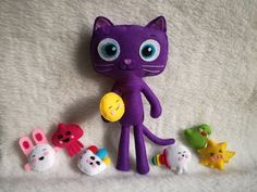 True Magical wishes cat Bartleby true characters and Rainbow Kingdom topper cupcake for Birthday 5th Birthday Party Ideas, 3rd Birthday, Party Themes, Doll Games, Stuffed Animal Cat, Cat Character, Felt Material, Felt Mouse, Cat Doll