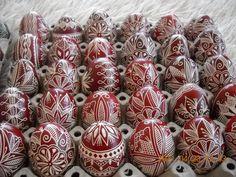 Traditional Bulgarian Orthodox Easter eggs   Прочутите писани яйца от Велинград-браво на майстора...