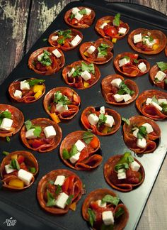 Pepperoni Pizza Bites Try these cute and flavor-packed pepperoni cups the next time you have pizza night.Try these cute and flavor-packed pepperoni cups the next time you have pizza night. Pizza Cups, Pizza Bites, Paleo Recipes, Real Food Recipes, Pizza Recipes, Skillet Recipes, Paleo Pizza, Cooking Recipes, Yummy Food