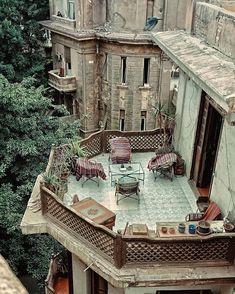 Architecture & Design sur Instagram: Terrace view in #Cairo 🌿 📸: @nour_elmassry #architectanddesign Modern Farmhouse, Farmhouse Style, Farmhouse Decor, Display Homes, Cairo Egypt, Art And Architecture, Cottage Style, Landscape Design, Beautiful Places