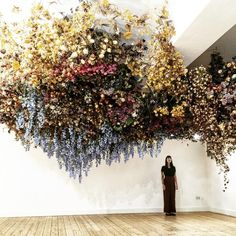Wedding Flower Arrangements This full hanging floral arrangement by Rebecca Laws is amazing inspiration for a ceremony space. Perfect for a spring, artistic wedding. Deco Floral, Floral Wall, Floral Design, Flower Power, Floral Wedding, Wedding Flowers, Flower Installation, Hanging Flowers, Jolie Photo