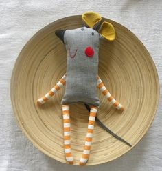 Grey Mish by krakracraft. Sideways mouse w stripped legs 27 adorable sewing patterns for stuffies plushies stuffed animals and other handmade felt and fabric toys Miss Gertie Porket Felt Crafts, Fabric Crafts, Sewing Crafts, Sewing Projects, Sewing Ideas, Softies, Sewing For Kids, Baby Sewing, Free Sewing