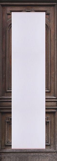 Der erste Blick am Morgen und der letzte am Abend gilt häufig dem Spiegel.  Umso wichtiger eine Auswahl an hochwertigen Spiegeln für den Kunden bereit zu halten. Für jede Zielgruppe. Für jeden Kundengeschmack. Der Spiegel ist aus brillantem Kristallglas mit rundum 2,5 cm Facettenschliff in einem aufwändigen Designerrahmen gerahmt. Der Rahmen ist über Eck verarbeitet.   Made in Germany. Der Spie...