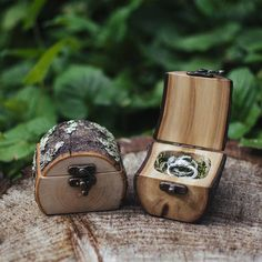 Natural Wood Log Ring Box by Jaccob McKay Studios, Melbourne Great for forest weddings, proposals/engagements