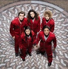The new season of Money Heist, Netflix's famous Spanish import, delivers on the hype and hoopla surrounding it Make Money Photography, David Crane, Money Pictures, Free Tv Shows, Netflix And Chill, Series Movies, Tv Series, Jennifer Aniston, Romantic Couples