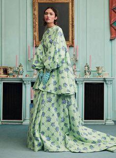 Women's Summer Fashion, Fashion 2020, Fashion Trends, Fashion Magazine Cover, Emilia Wickstead, High Fashion Photography, Turquoise, Spas, Editorial Fashion