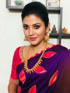 Looking for creative blouse work designs to try with your silk sarees? Here are 16 amazing blouse ideas that can make your silk saree look gorgeous! Bollywood Saree, Bollywood Fashion, Blouse Back Neck Designs, Kerala Saree Blouse Designs, Saree Trends, Saree Look, Beautiful Saree, Indian Sarees, Silk Sarees