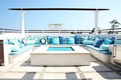 lounge upholstered in Trina Turk outdoor fabrics by Schumacher. House Of Turquoise, Outdoor Rooms, Outdoor Living, Outdoor Decor, Outdoor Lounge, Outdoor Areas, Indoor Outdoor, Rooftop Patio, Outside Living