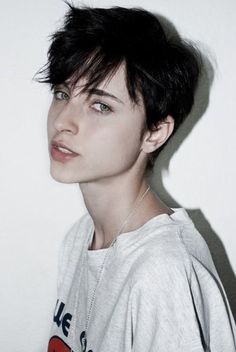 35 Androgynous Gay and Lesbian Haircuts with Modern Edge - Part 2