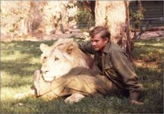 Stories about Teddy - SA Special Forces Association Lion Story, Defence Force, Military Photos, My Land, African History, Aesthetic Backgrounds, Special Forces, Female Characters, South Africa