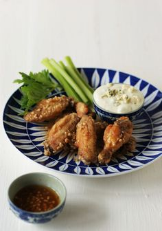 Spur Chicken Wings with Durky Sauce. Cooking Recipes, Healthy Recipes, Cooking Stuff, What's Cooking, Blue Cheese Sauce, Pub Food, South African Recipes, Wing Recipes, Yummy Drinks