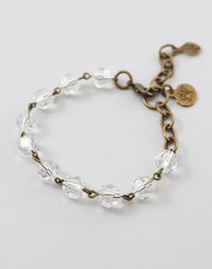 Diy Jewelry Unique, Unique Bracelets, Crystal Bracelets, Handmade Bracelets, Handmade Jewelry, Jewelry Ideas, Layered Bracelets, Jewelry Bracelets, Wire Jewelry Making