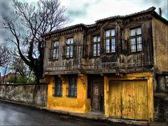 Kırklarelinde eski bir ev