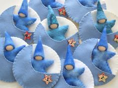 Star baby in moon pocket Waldorf Star baby in moon pocket Waldorf by greenmountain on Etsy Waldorf Crafts, Waldorf Toys, Toy Craft, Craft Gifts, Felt Christmas, Christmas Crafts, Fairy Dolls, Felt Toys, Crafty Craft
