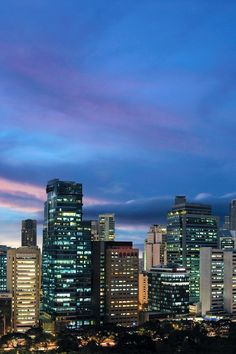 This luxe hotel is within walking distance of the Philippine Stock Exchange and the Greenbelt Mall. Fairmont Makati, Manila (Makati, Philippines) - Jetsetter