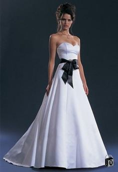I must have a black and white wedding dress.