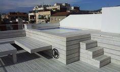 Reforma integral de un ático en Barcelona: Piscinas de estilo Moderno de CUADRAT PINEN ARQUITECTES