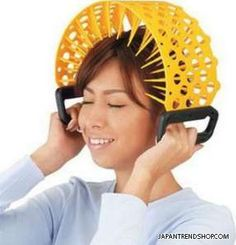 - Honey, my scalp itches, pass me the yellow thing - Here you go ! - Awh...