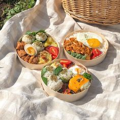 Picnic Date Food, Picnic Foods, Picnic Ideas, Picnic Time, Asian Recipes, Healthy Recipes, Good Food, Yummy Food, Think Food