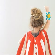Gender Neutral Superhero costumes for kids - Super Hero Cuffs pair by lovelane on Etsy Eco Kids, Diy For Kids, Gifts For Kids, Superhero Capes For Kids, Kids Dress Up, Star Gift, Dress Up Costumes, Costume Ideas, Sweet Peach