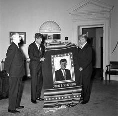 1962. 15 Mars. President Kennedy. Senator Wayne L. Morse from Oregon