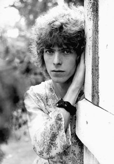 1969 - David Bowie 60s (photo by Alec Byrne).