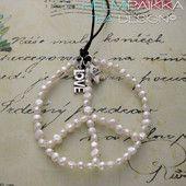 Valkoinen peace- kaulakoru 35€ #peace #rauhanmerkki #peacekaulakoru #rauhanmerkkikaulakoru #peacelove