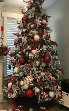 Elegant Christmas Trees, Traditional Christmas Tree, Christmas Tree Design, Christmas Tree Themes, Christmas Love, Rustic Christmas, Christmas Traditions, Christmas Tree Decorations, Christmas Crafts
