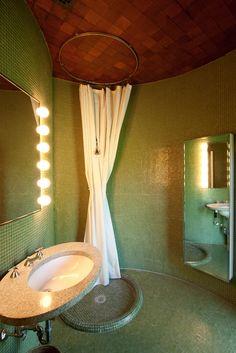 - Glass House, bathroom