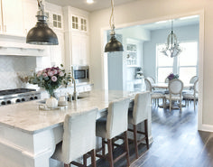 Light Gray Kitchen with White Cabinets Paint Color. Light Gray Kitchen with White Cabinet. Cabinet paint color is Sherwin Williams Pure White. Light grey wall paint color is Sherwin Williams SW 7015 Repose Gray. White Kitchen Interior, Interior Design Kitchen, Kitchen Designs, Interior Paint, Grey Kitchen Cabinets, Kitchen Cabinet Design, Kitchen Grey, Kitchens With White Cabinets, Cupboards