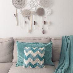 642 Likes, 29 Comments - ✨Lindsey Crochet Cushions, Crochet Home, Zig Zag, Decoration, Diy Crafts, Throw Pillows, Pattern, Cotton, Instagram