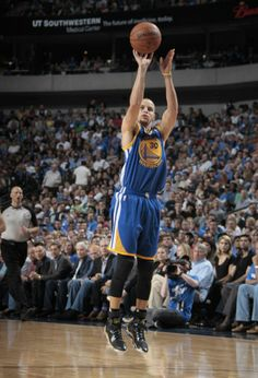 #SoleWatch // Steph Curry in the Under Armour Spawn Anatomix