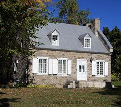 Maison de la Côte-des-Neiges Montreal Ville, Information, Old Houses, Coast, Cabin, Homes, Architecture, House Styles, Vintage