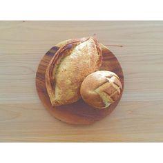 2016/07/23 12:09:54 saki.yamamoto . .  バタール と さつまいもフランス . .  マイブームはピーナッツバター . . .  #朝ごはん#パン##バルミューダ#メゾンカイザー#bakery#bread#morning#breakfast#balmuda#food