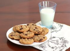 BROWNED BUTTER CHOCOLATE CHIP COOKIES WITH PECANS