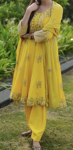 Punjabi Suits Designer Boutique, Boutique Suits, Bridal Suits Punjabi, Indian Designer Wear, Dress Designs, Amazing Things, Kurtis, Party Wear, Designer Dresses