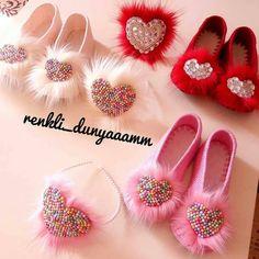 Fur Slides, Decoupage, Crochet, Instagram, Fashion, Moda, Fashion Styles, Ganchillo, Crocheting
