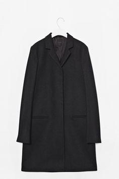 Classic wool coat  80% Wool  20% Polyamide  Dry clean  No. 759630-08