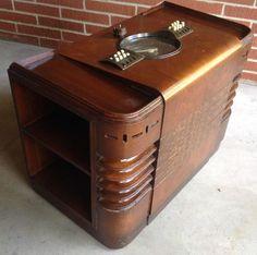 Vintage 1938 Art Deco ZENITH Chairside Radio Console 9S344 Robot Shutter Dial NR