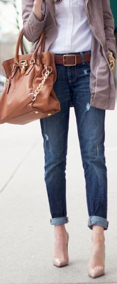 Love the boyfriend jeans with white button-up tucked in!