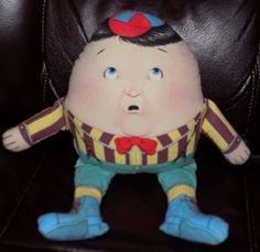 12-034-1983-Toys-Works-Reversible-2-Side-CLOTH-Humpty-Dumpty-PILLOW-Doll-Black-Hair