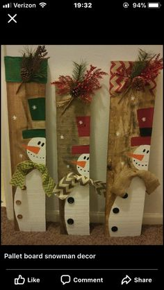 : Terrific Photos Wooden snowmen pallets Concepts Wintertime ushers with boys and girls play house occasions that might be hallmarked by way of a lot Christmas Wood Crafts, Pallet Christmas, Christmas Signs Wood, Rustic Christmas, Christmas Art, Christmas Projects, Holiday Crafts, Christmas Ornaments, Christmas Christmas
