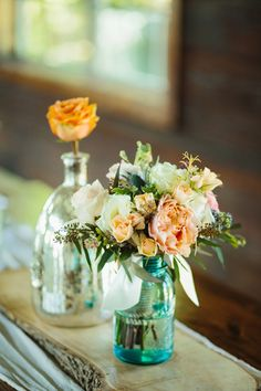 mason jar centerpiece | Sara & Rocky #wedding