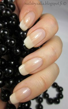 Natural & classic french manicure